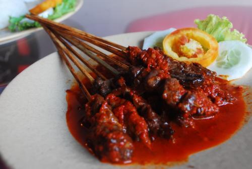 sate-plecing-subak cooking class.jpg