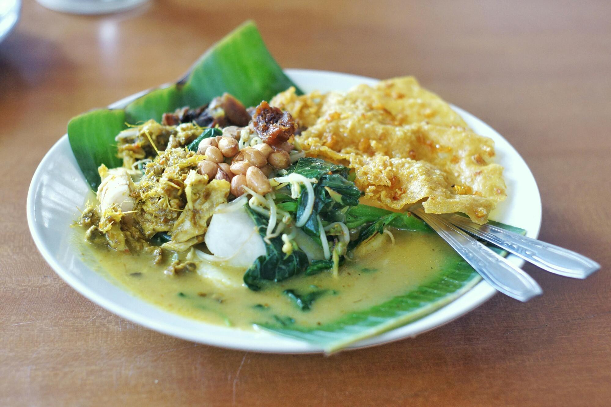 tipat-blayag-khas-bali subak cooking class.jpg